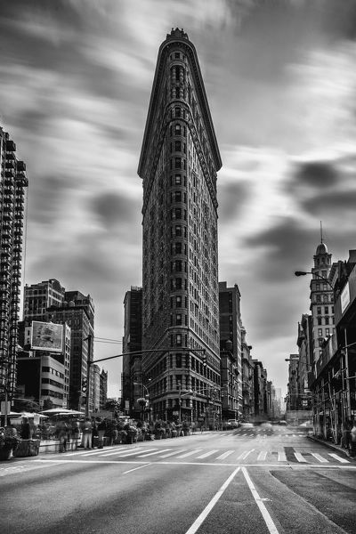 Decide to go up to NYC for the day from DC because the weather forecast was partly cloudy and I wanted to get the Flatiron Building with 10 stop ND