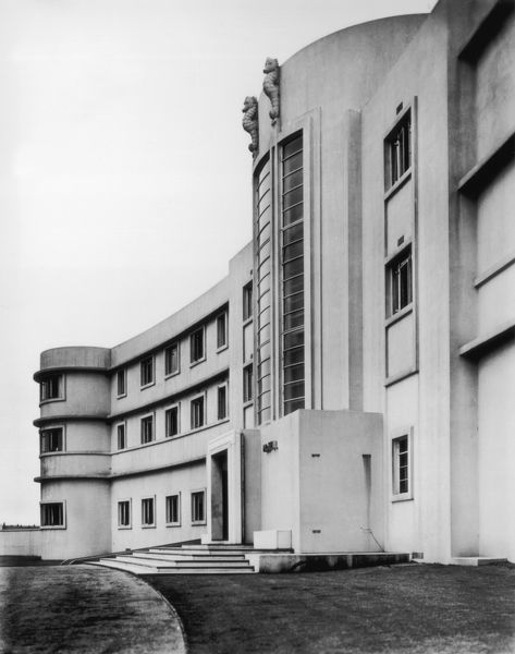 Art Deco Hotel. circa 1935: A view of the front elevation of the Midland