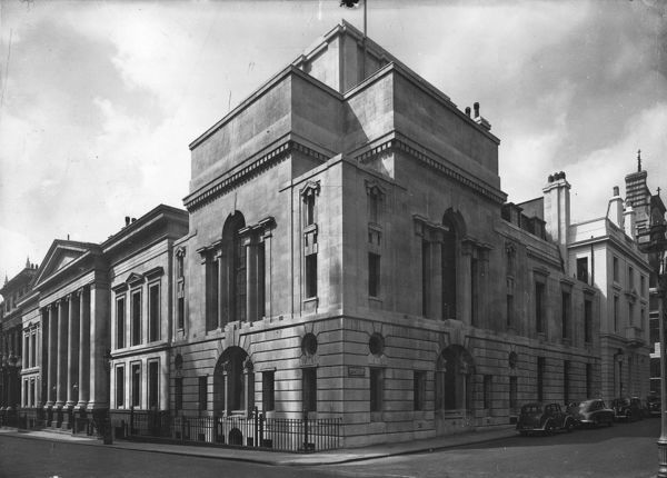 19th July 1950: Law Society Building in Chancery Lane, London. (Photo by Topical Press Agency/Getty Images)