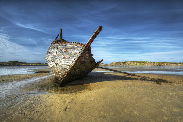 Mercy of the Sea. The famous Bad Eddie shipwreck on Magerclogher Strand