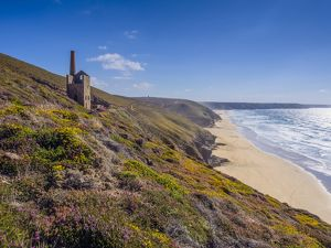 Abanoned tin mine at Wheal Coates, Cornwall, UK