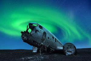 global landscape views/fred concha photography/aurora borealis douglas dc 3 plane wreckage