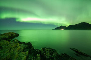borealisgreen Norway extremely strong green northern lights Lofoten