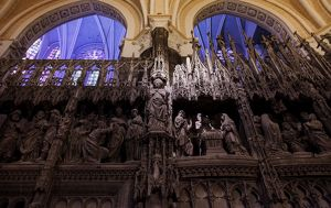 Carved 16th-century chancel screen with sculptures, Cathedral of Notre Dame in Chartres