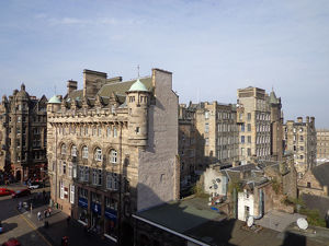 travel/unesco world heritage/city streets edinburgh sunshine scotland united