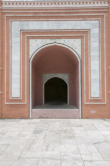 Side Door of Taj Mahal in a Sunny Day, India, Uttar Pradesh, Agra, Taj Mahal, dawn