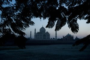Dusk view of the Taj Mahal, Agra, Uttar Pradesh, India