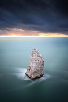 global landscape views/fred concha photography/etretat cliffs