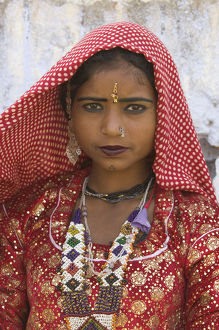 India, Rajasthan, Pushkar, young woman, close-up, portrait