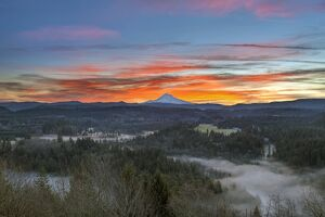 Jonsrud viewpoint sunrise