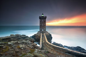 global landscape views/fred concha photography/kermorvan lighthouse