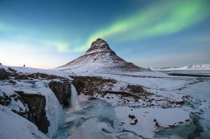 Kirkjufell mountain iceland winter 2017