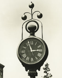 Large street clock, (B&W), (High section)