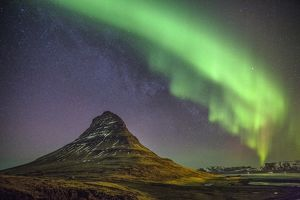Light show over Kirkjufell