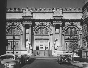 Metropolitan Museum of Art, New York City, (B&W)