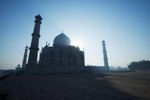 Morning light on the Taj Mahal, Agra, Uttar Pradesh, India