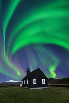 global landscape views/fred concha photography/northern light black church buoir snaefellsnes