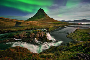 global landscape views/fred concha photography/northern lights iceland kirkjufell mountain