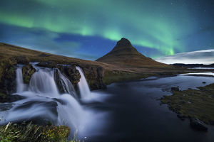 global landscape views/fred concha photography/northern lights kirkjufell mountain iceland