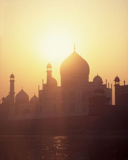 Sunrise over Taj Mahal
