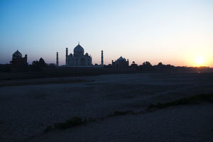 Sunset view of the Taj Mahal, Agra, Uttar Pradesh, India